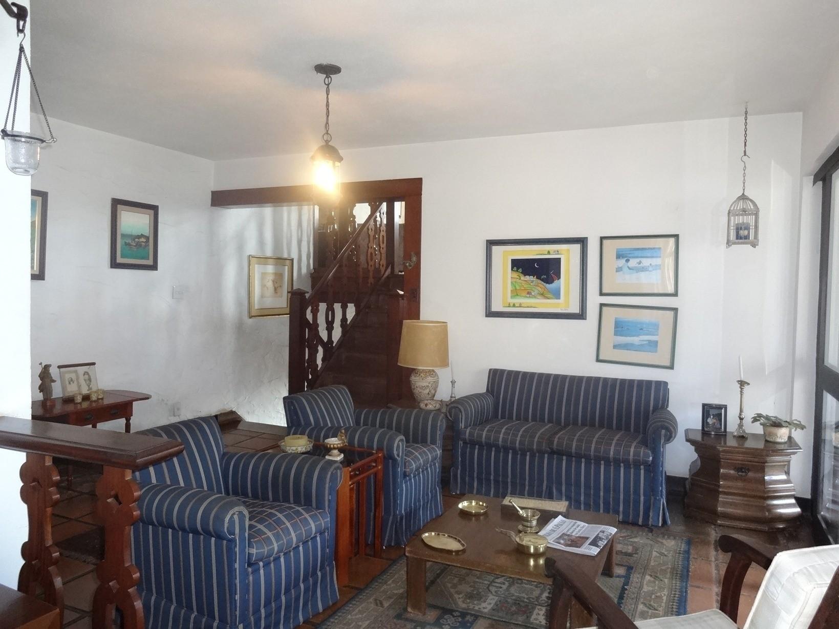 Sobrado de 4 dormitórios em Paineiras, Campinas - SP