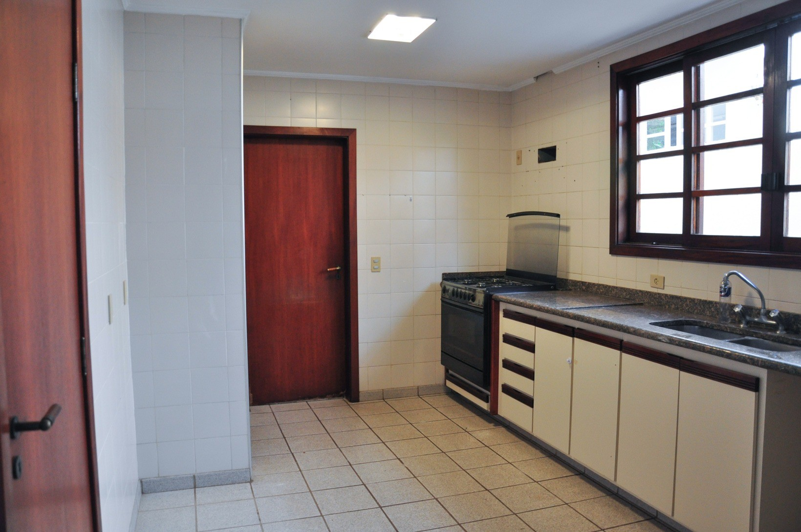 Sobrado de 3 dormitórios em Chacara Da Barra, Campinas - SP