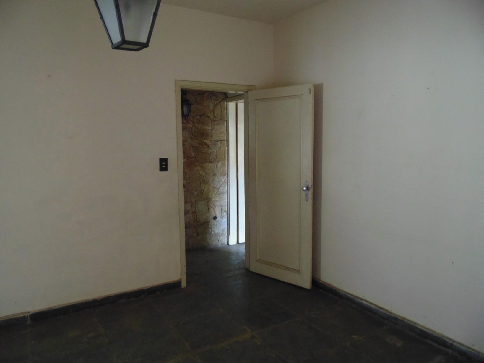 Casa de 3 dormitórios em Cambui, Campinas - SP