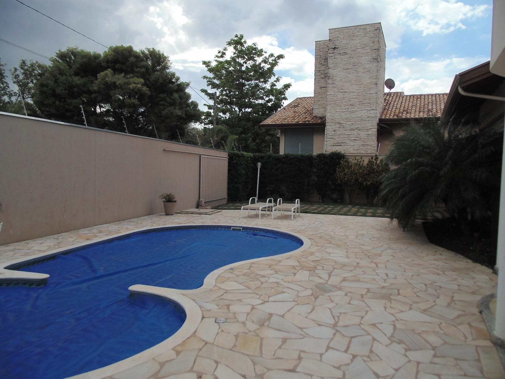 Casa de 4 dormitórios em Colinas Dos Alamos, Valinhos - SP