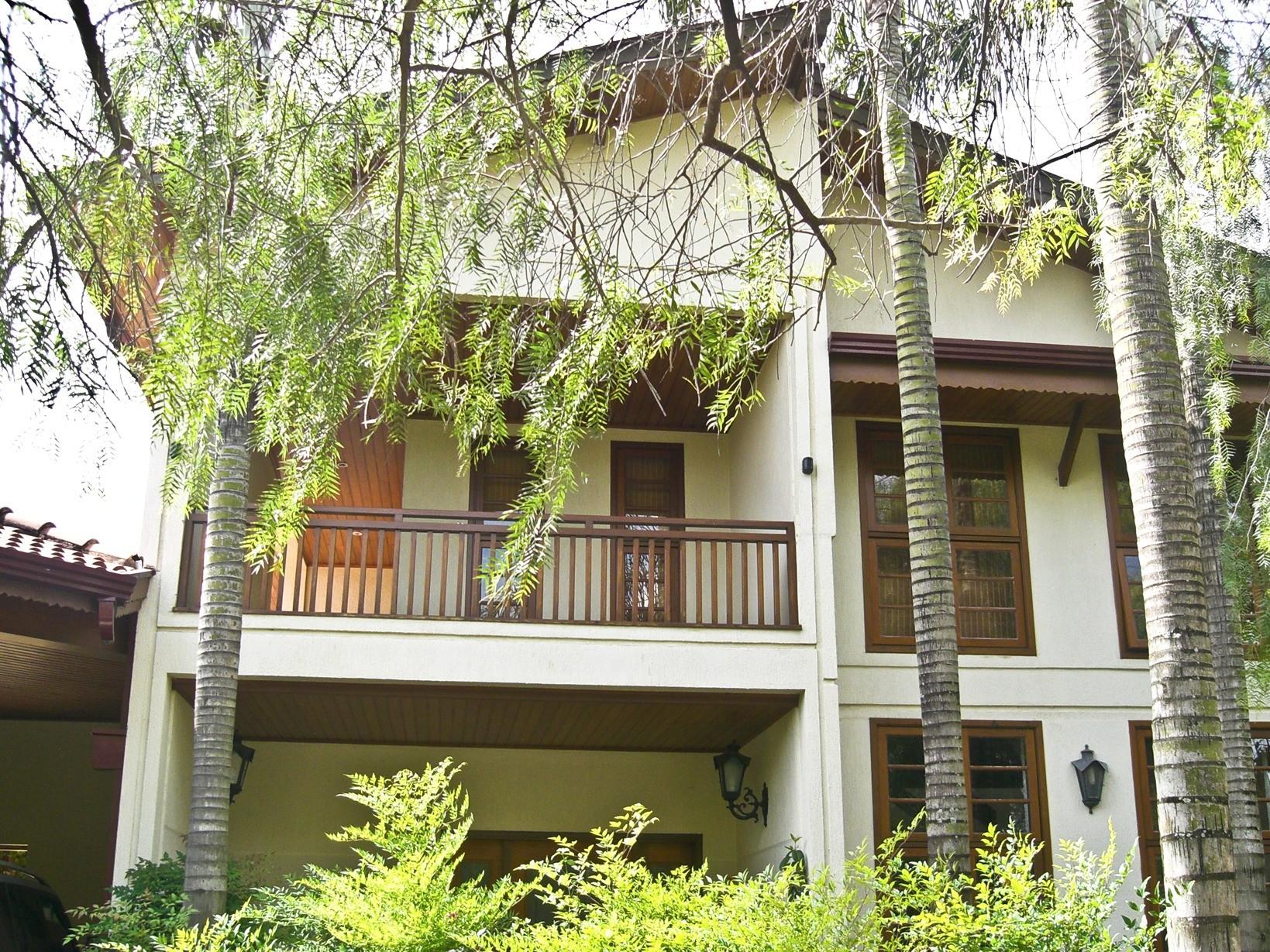Casa de 6 dormitórios em Iguatemi, Campinas - SP