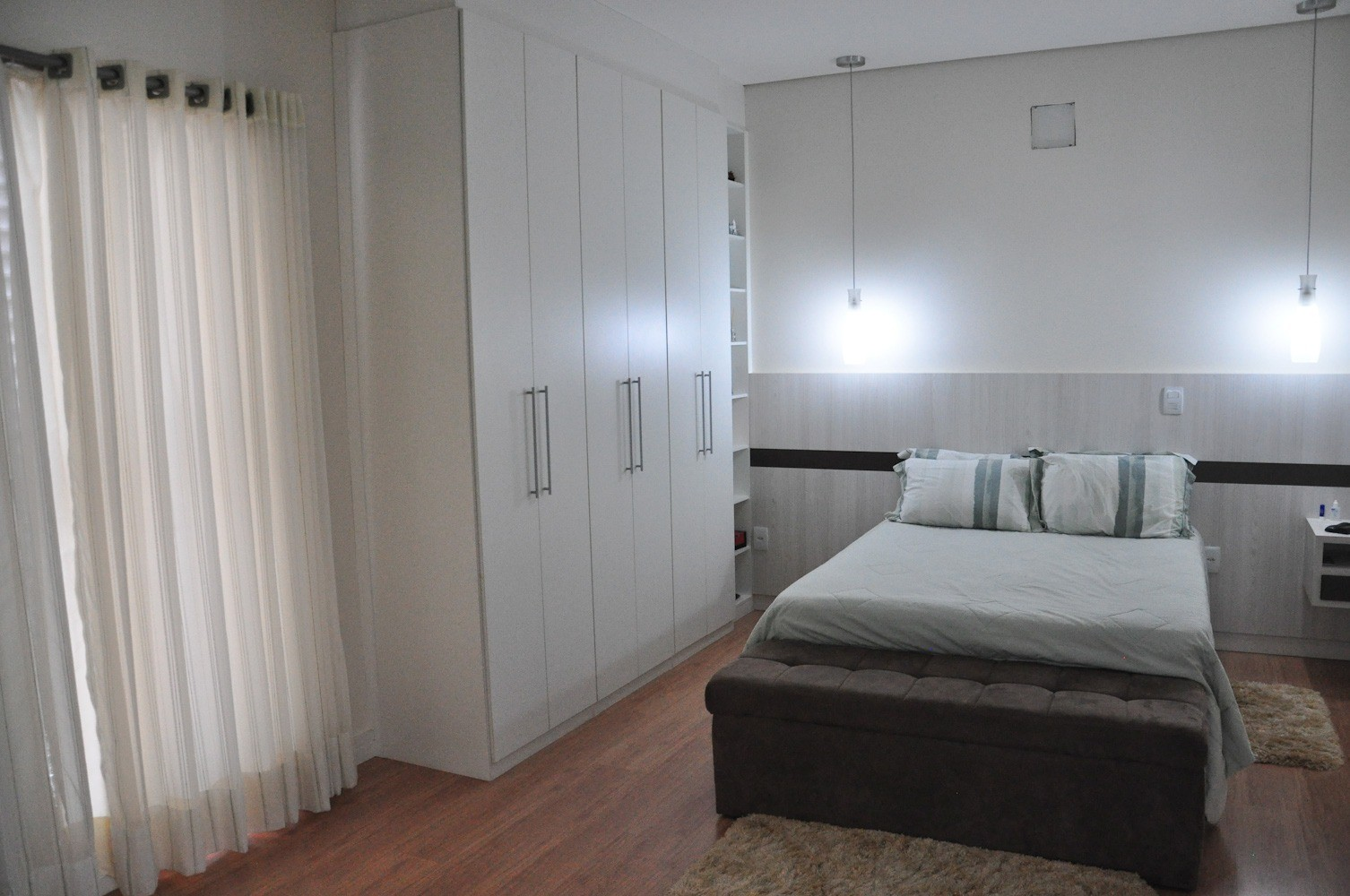 Sobrado de 4 dormitórios em Swiss Park, Campinas - SP