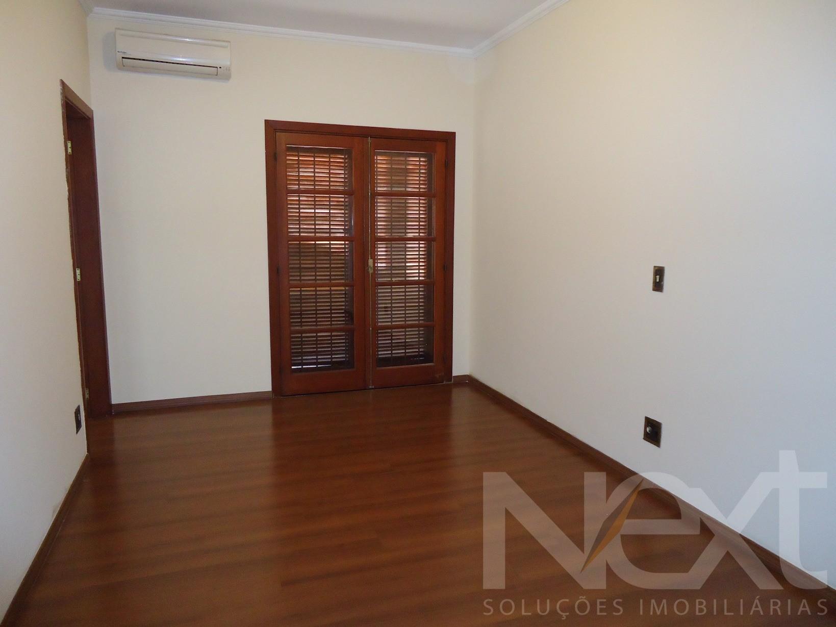 Sobrado de 4 dormitórios em Bairro Das Palmeiras, Campinas - SP