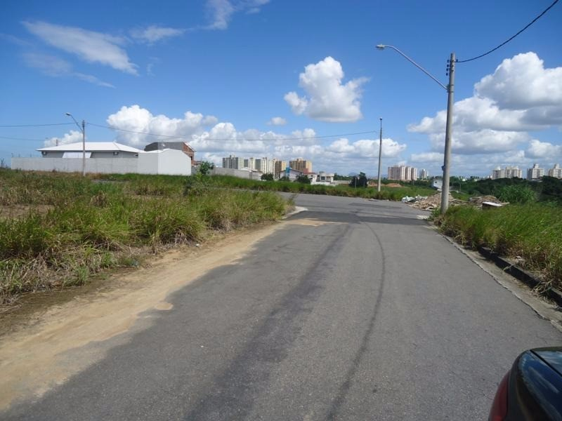 Portal de Manguinhos, sol da manha, excelente localização  Lote em Portal de Manguinhos, sol da manhã, 360 m², excelente localização,  aproveitamento