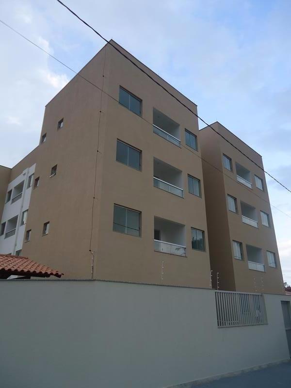 Jacaraipe, apt de 2 quartos, sendo 1 suite, sol da manhã, próximo a praia, excelente acabamento, condomínio barato, 1 vaga de garagem,  Prédio somente
