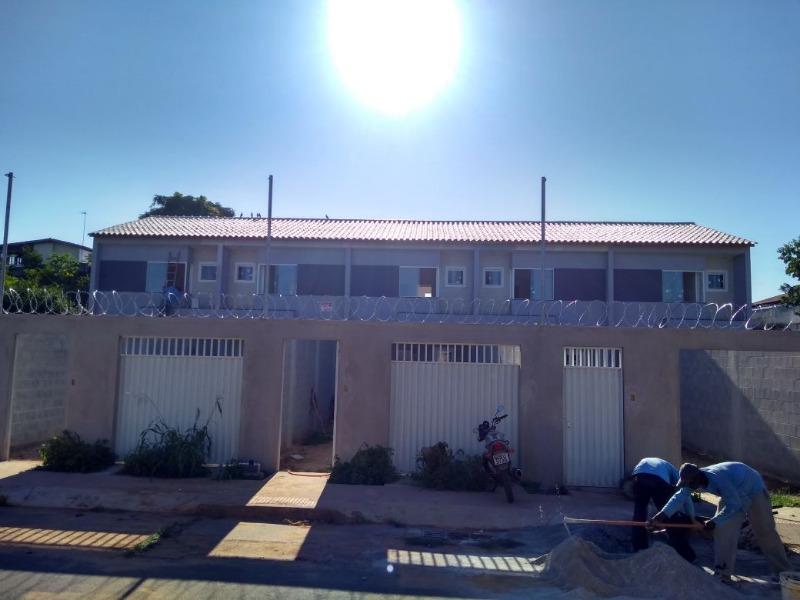 Jacaraipe, Bairro São Francisco, casa duplex com 75 m², com excelente acabamento e quintal individualizado. Situado na parte alta de São Francisco em