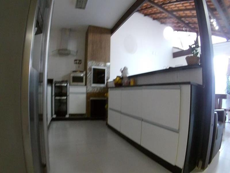 Vila verde em Morada de Laranjeiras,  venha conhecer e desfrute do que há de melhor na vida, morar em um condomínio cercado de uma linda mata, com tot