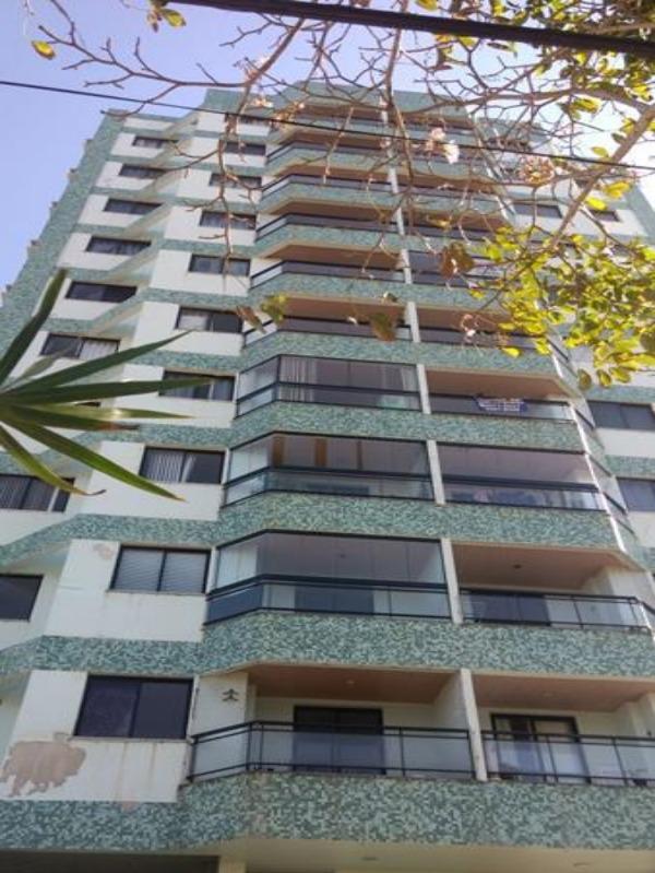 Apartamento com 2 Domitórios com suíte, 75 m², 1 Vaga na garagem,  Edificil Alfredo de Tassis, jacaraipe, sol da manhã, andar alto., totalmente reform