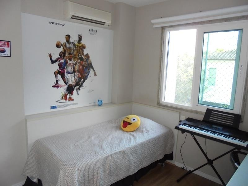 Jardim Camburi, Casa Duplex 04 quartos no Condomínio Aldeia Camburi.