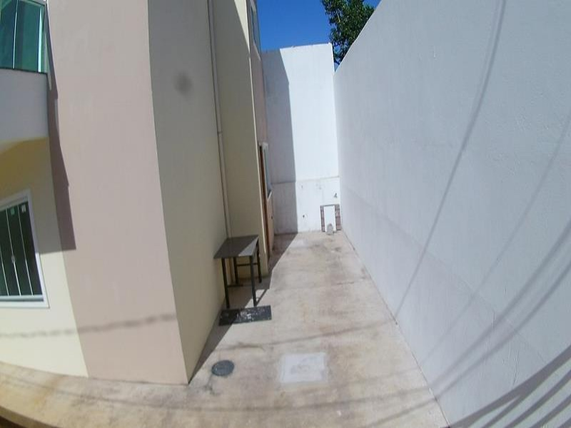 Casa Duplex, 2 quartos com suite, 2 vagas de garagem, 86 metros quadrados.  Excelente localização, próximo ao mar em Portal de Jacaraipe na Serra, imó