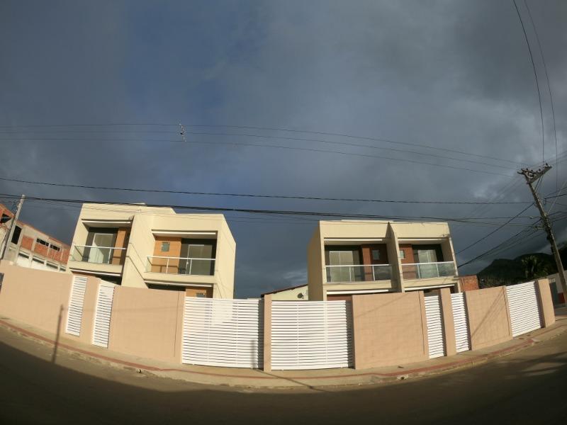 Em Nova Carapina, Casa duplex 2 quartos excelente acabamento sol da manhã, minha casa minha vida
