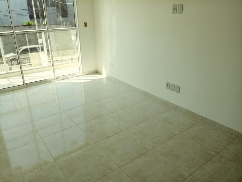 jacaraipe, casa duplex com 2 quartos, sala, cozinha, área de serviços, varanda, 2 wc social, sol da manhã