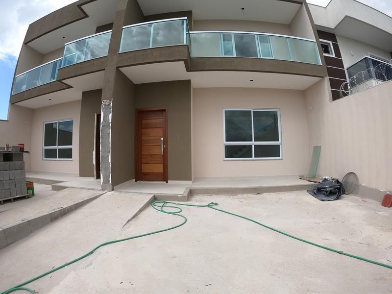 Morada de Laranjeiras, casa duplex com 03 quartos com suite, 154 com excelente localização, 2 vagas de garagens
