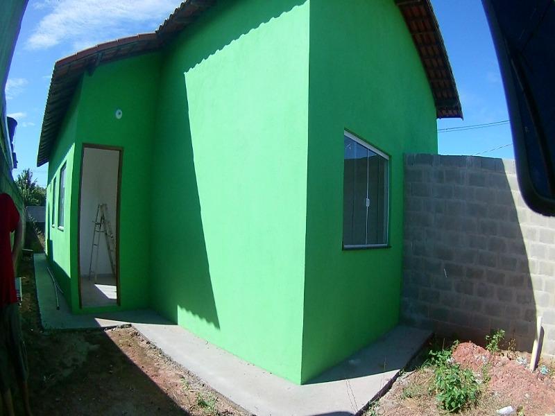 Casa linear em Residencial Jacaraipe, 2 quartos amplos, sala cozinha, área de serviços, banheiro social e varanda,