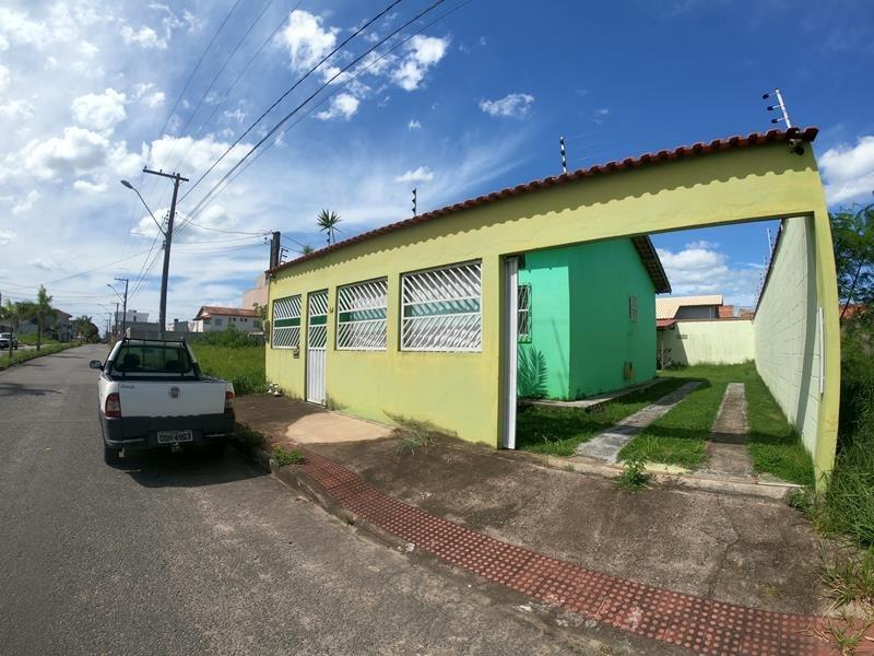 Solar do porto, casa linear 48 m², 2 quartos, sala, cozinha, área de serviços com quintal individual com 200 m²