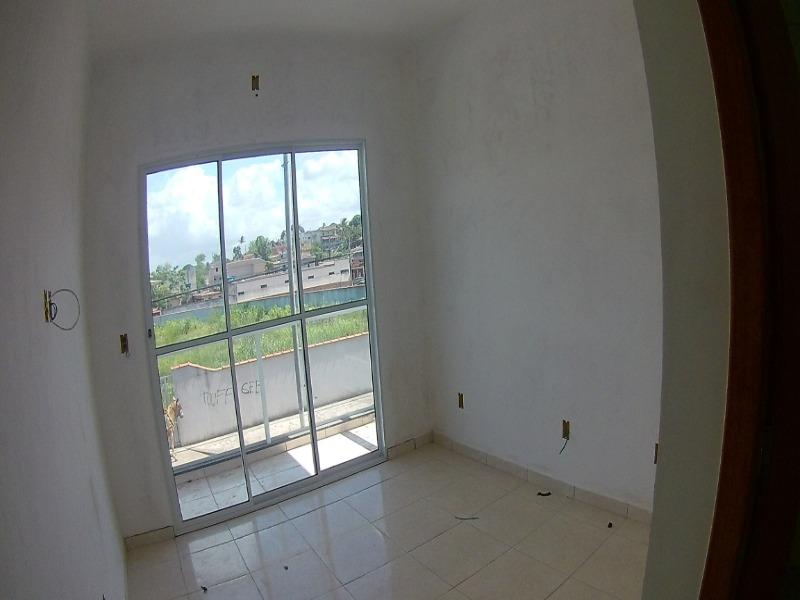 Jacaraipe, Bairro São Francisco, casa duplex com 75 m², 2 quartos com suíte, quintal grande e individualizado, com excelente acabamento.