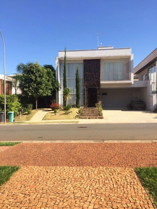 Venda Sobrado no Condomínio Jardins Valencia em Goiânia ON LINE 62. 999.459.921
