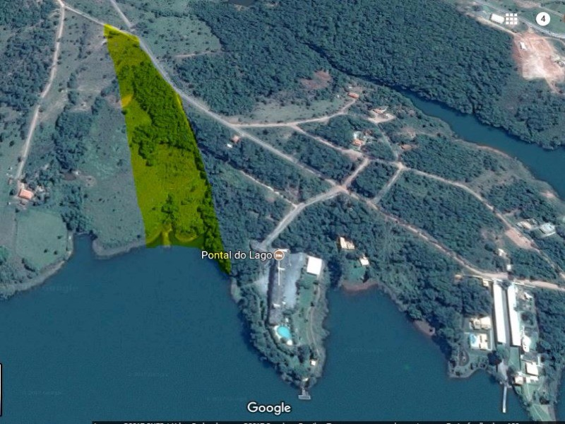 Área Terreno na Beira do Lago de Caldas Novas
