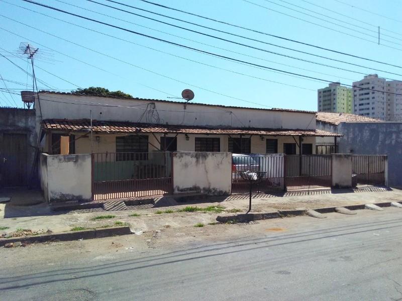 imóvel de renda a venda casa/barracões na vila jaragua/montecelli em Goiânia ON LINE 62. 999.459.921