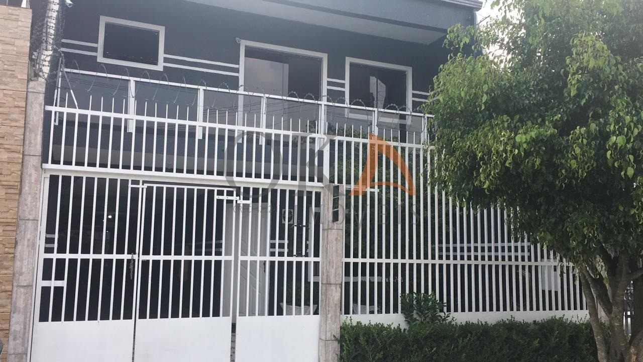 Sobrado  aprox. 210m², 03 Dormitórios, 01 Suíte é na Oka Imóveis