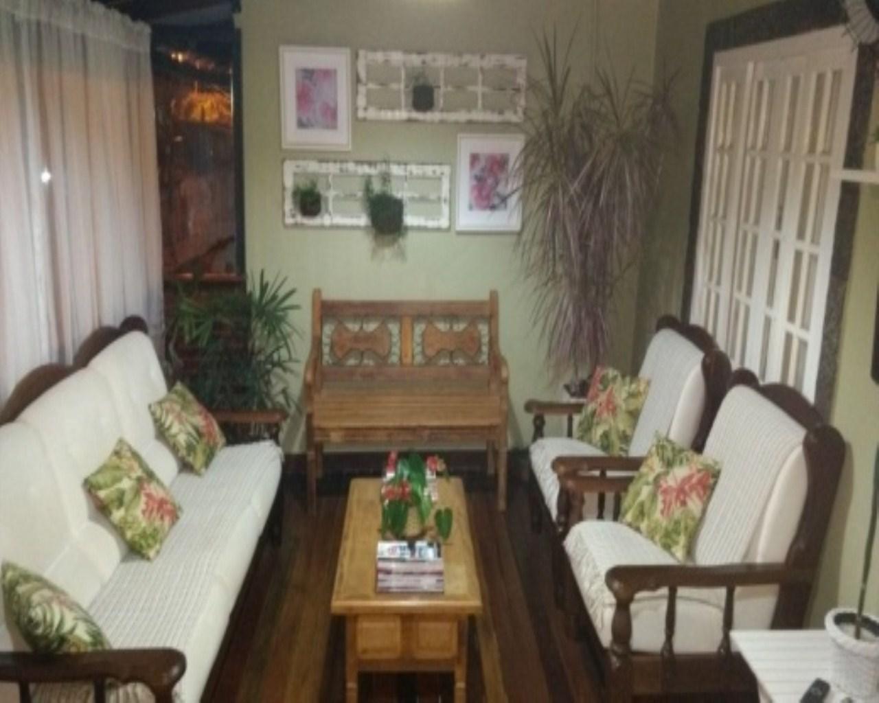 Casa em Village  -  Angra dos Reis - RJ