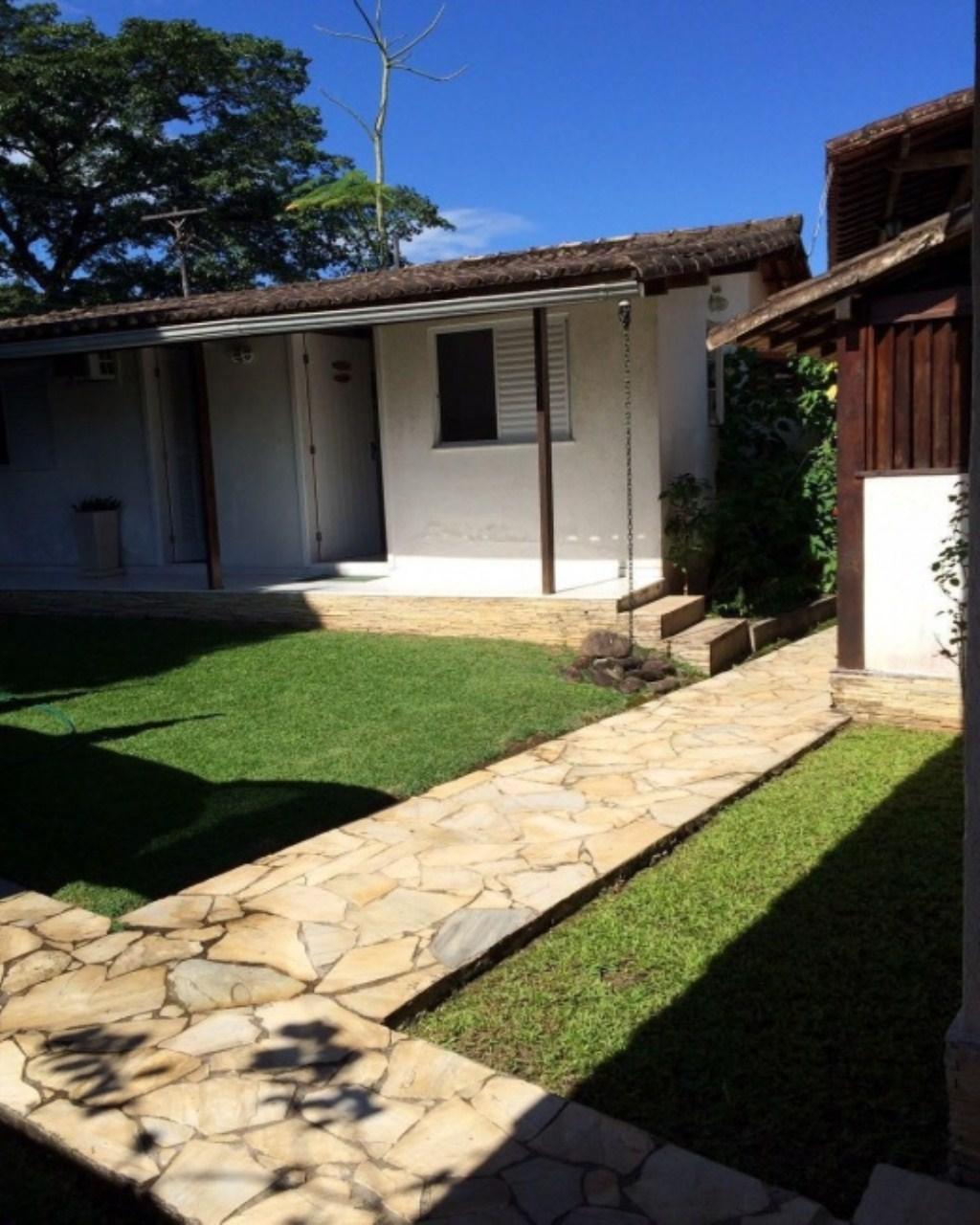 Casa em Bracuí (Cunhambebe)  -  Angra dos Reis - RJ