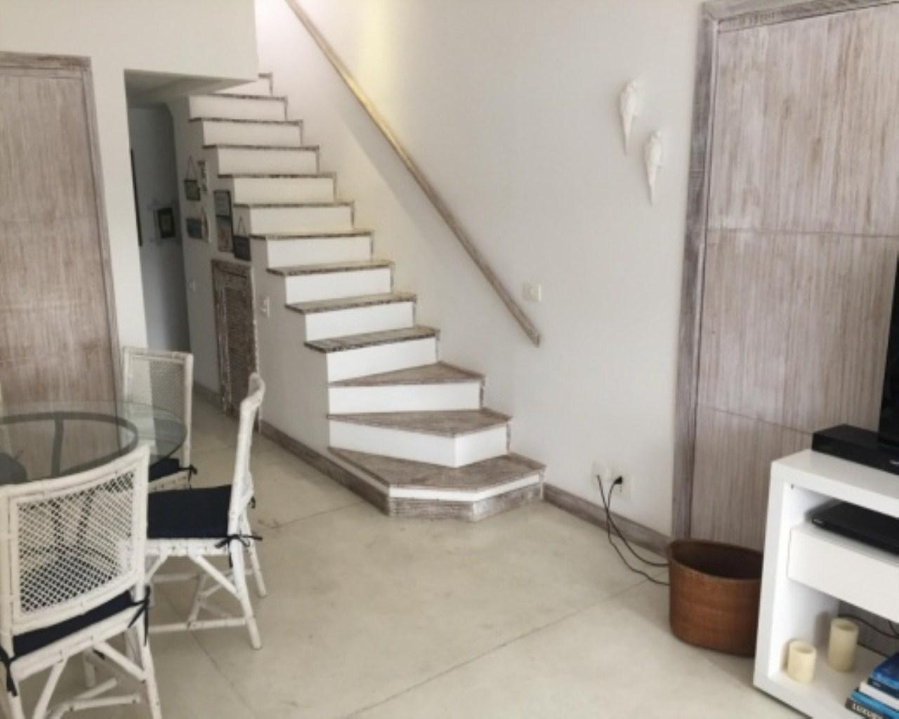 Casa em Retiro (Cunhambebe)  -  Angra dos Reis - RJ