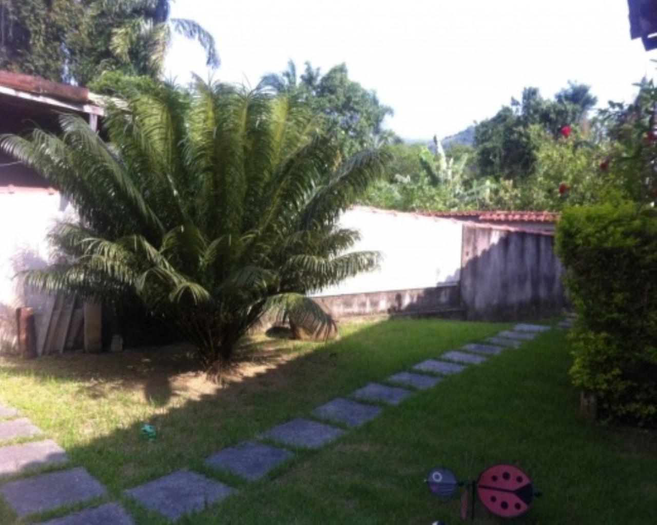 Casa em Jacuecanga  -  Angra dos Reis - RJ