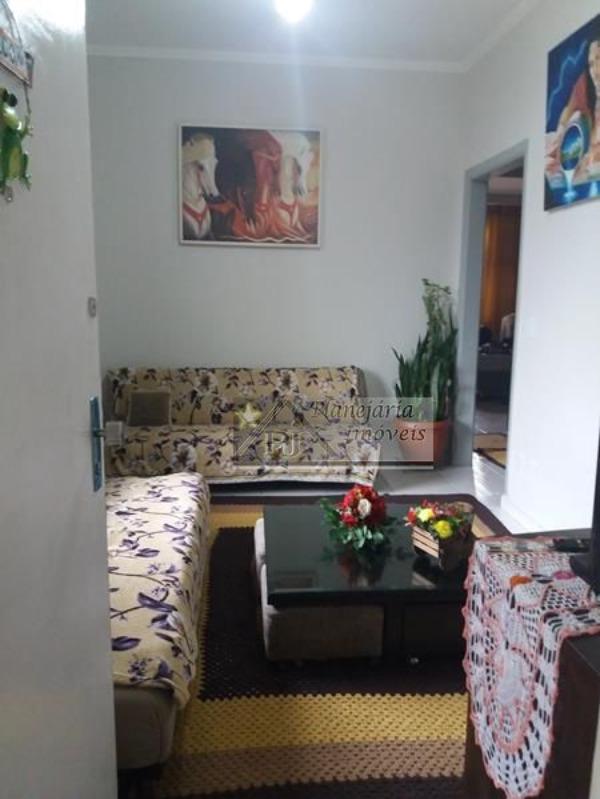 2 Dormitórios excelente localização Centro de São Vicente SP
