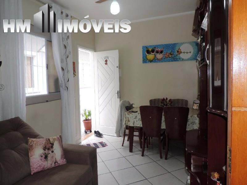 Casa em condomínio na Vila Rosália