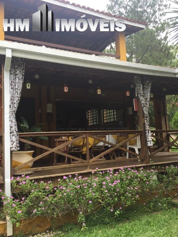 Casa em condomínio fechado em Guararema