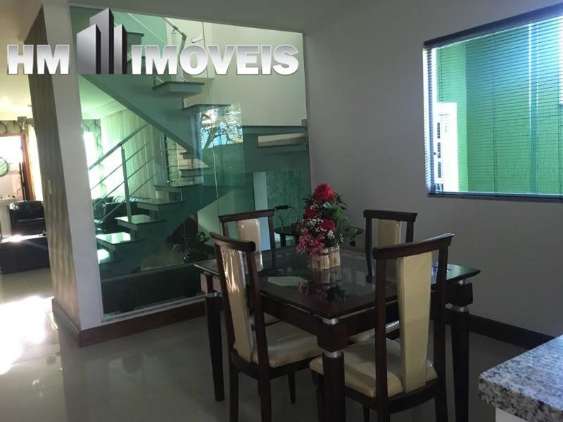 Magnifico Sobrado com 244 m² de área construída com  3 Suites e 4 vagas em Guarulhos