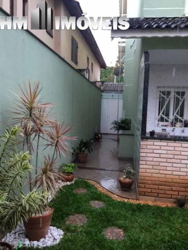 Sobrado com 3 suíte, 4 vagas no Jardim Vila Galvão