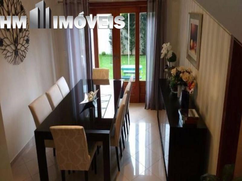 Vendo ótima casa  com 4 suítes, 2 vagas no condomínio Arujá 5