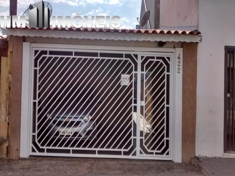 Vendo ótima casa com localização privilegiada em Bragança Paulista, 02 dormitórios, 01 banheiro, 02 vagas de garagem, portão automático