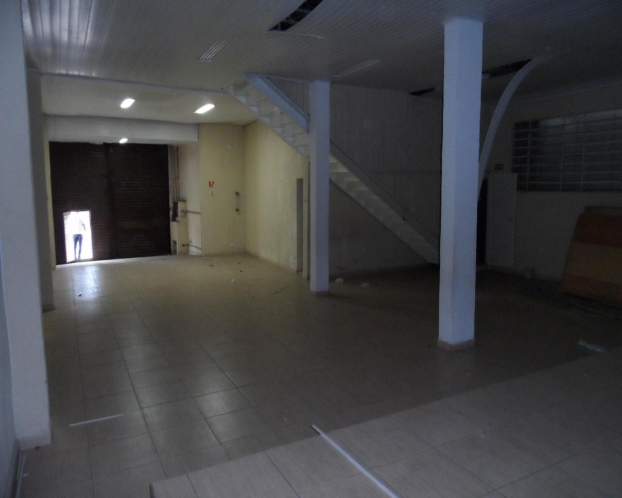 Salão Comercial no Jardim Tranquilidade em Guarulhos