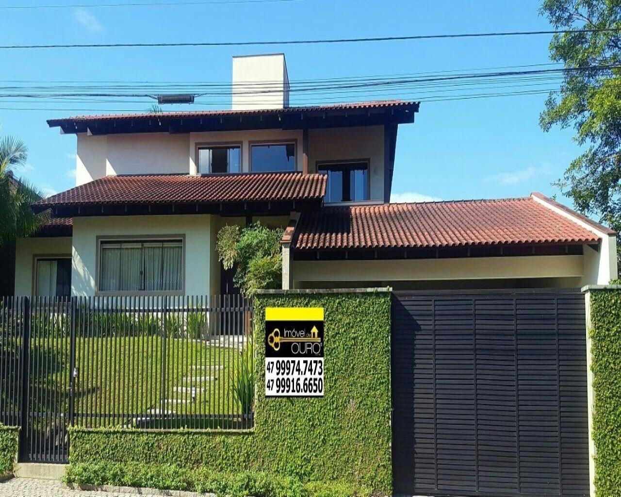 Casa à venda  no América - Joinville, SC. Imóveis