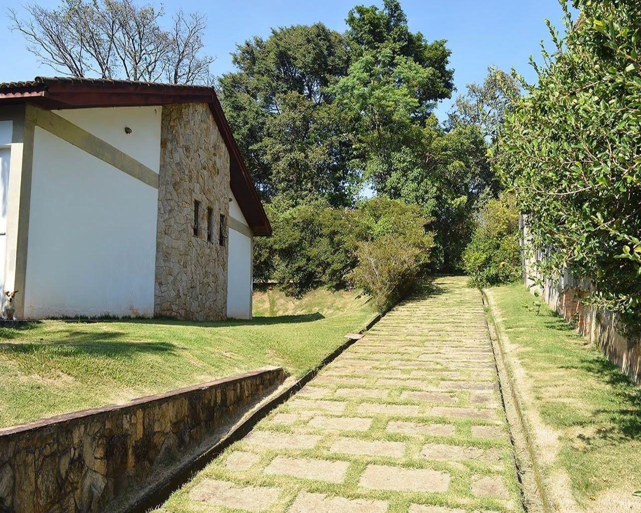 Linda casa térrea em condomínio - Jundiaí / SP