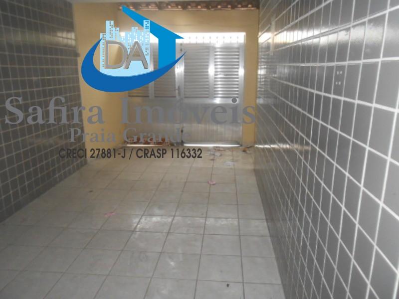 GRANDE OPORTUNIDADE: Excelente Sobrado no Boqueirão, 03 dormitórios sendo 01 suite, para LOCAÇÃO COMERCIAL, 01 vaga de garagem coberta, sala 02 ambien