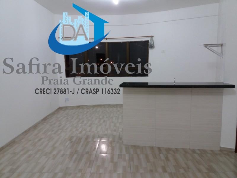 SALA COMERCIAL ALTO na Vila Tupi de Praia Grande, com cerca de 32m² util, com 01 wc social e espaço para copa, ótimo pra consultório e escritório, exc