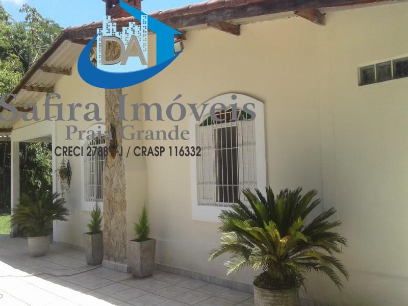 LINDA CHÁCARA em Itanhaém/SP -  Bairro muito tranquilo, vizinhos residindo - natureza exuberante, casa muito boa com 340m2 - 2 quartos 3.50x3 1 quarto