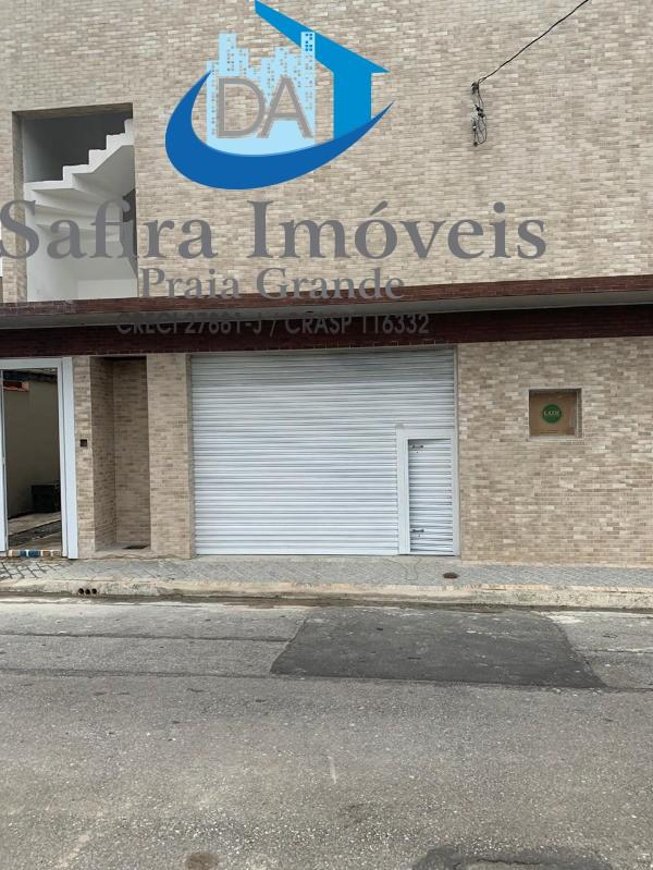Loja em Centro Comercial, em ótima localização rua de passagem com muitos moradores fixos no entorno.