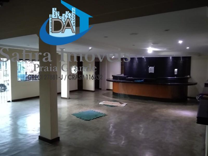 EXCELENTE ponto comercial no Boqueirão,  com amplo salão. Ideal para restaurante, padaria. Região de movimento constante. Aproveite a oportunidade, ag