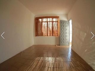 Casa para locacao mais um salao com 50mts jardim tamoio. jundiai 3 dormitorios. 1 sala. 1 banheiro. 3 vagas 100.00 m2 construida. 100.00 m2 util r$ 1.300.00...