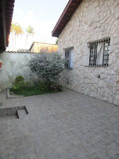 Casa para venda<br>jardim  santa rita de cassia. jundiai<br>2 dormitorios. 1 sala. 2 banheiros. 2 vagas. um comodo e wc nos fundos. quintal. portao eletronico.<br&gt...
