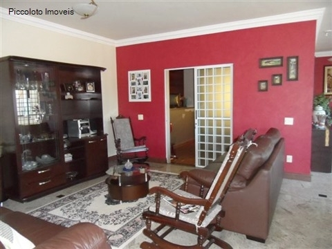 Casa de 3 dormitórios em Alphaville, Campinas - SP