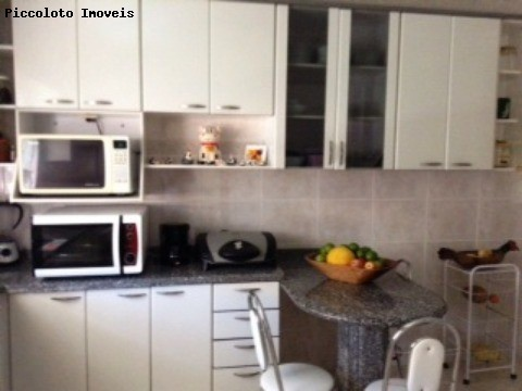 Sobrado de 3 dormitórios em Taquaral, Campinas - SP