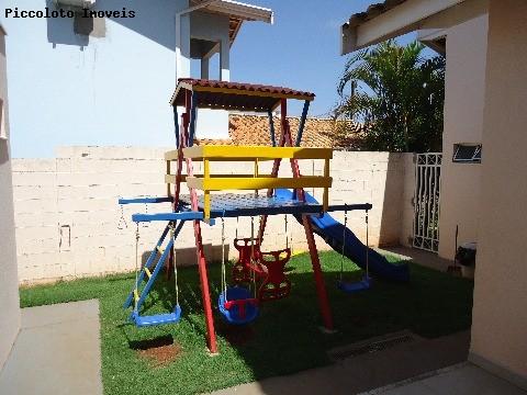 Sobrado de 3 dormitórios em Parque Das Flores, Campinas - SP