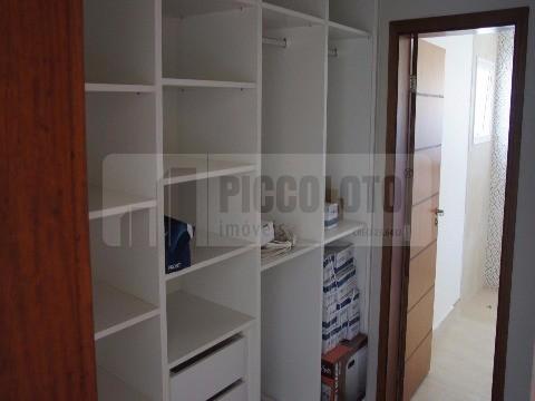 Sobrado de 3 dormitórios em Parque Brasil 500, Paulinia - SP