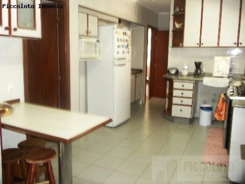 Apartamento de 4 dormitórios em Cambuí, Campinas - SP